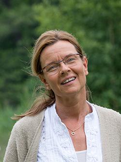Nina Lindroos Hedlund - Samtalsproffs vid stress, oro eller ångest.